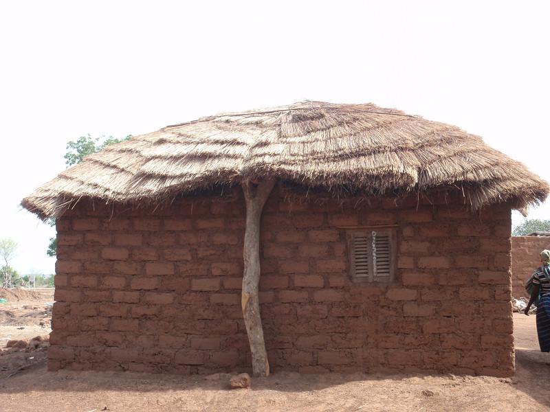039_Between Tamale and Kumasi  Traditional Buildings