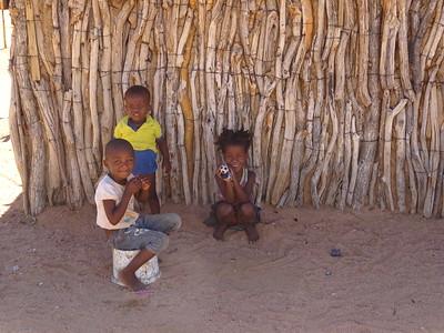 426_Twyfelfontein  Damara Tribe Modern Village  Louw-In  Kids Playing