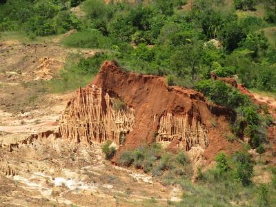 127_Pas de vrais Tsingy, dans le sens ou ce ne sont pas des roches calcaires