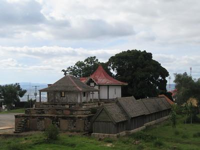 016_Antananarivo  The Rova  La nécropole, les 9 tombeaux