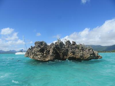 038_West Coast  La Roche Crystal  Plateau volcanique posé au milieu du lagon de l'île aux Bénitiers