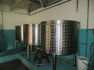 162_Deuxième étape, le jus est filtér et placé dans des cuves à fermentation