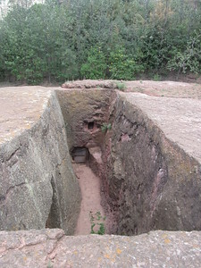 274_Lalibela Rock-Hewn church  Beta Ghioghis  Trenches and Tunnels  Ventilation and Drainage