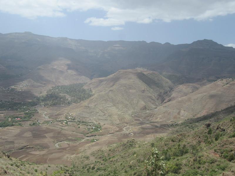286_Lalibela  Vast arid mountain ranges of great beauty