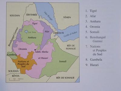 011_Régions géographiquement très différentes les unes des autres  83 different languages  More than 200 dialects