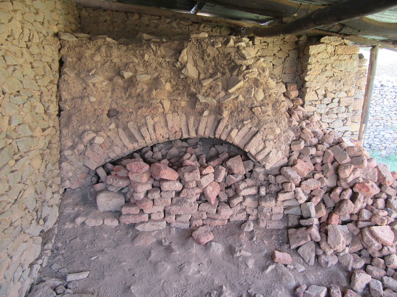 030_Axum  The Palace of Queen Sheba  9th Century BC  Kitchen, oven