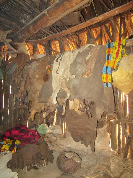 787_Omo Valley  Turmi  Hammer Village (clothes hanging)