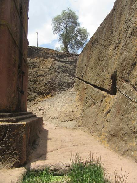 273_Lalibela Rock-Hewn church  Beta Ghioghis  Mount Ararat  Noah Ark symbol  Basalt, too hard to carve