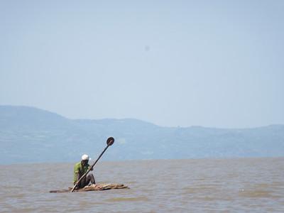 604_Lake Chamo Boat trip  Canoe (made of Acacia wood)  Fisherman  Net Fishing
