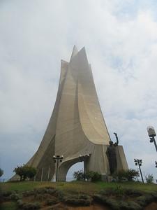020_Alger  Le Monument aux Morts  Musée National du Moudjahid  Guerre D'afrique 1954-62, 1,5 millions d'Algérien périrent