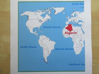 001_Algérie  Au centre du Maghreb  Plus de 1000km de côtes méditéranéennes  Second plus grand pays d'Afrique et 10e plus grand au monde