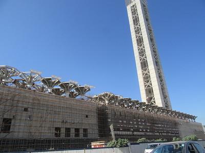 016_Alger  À Mohammadia, la 3e plus grande mosquée du monde  40,000 fidèles  Minaret haut de 300m