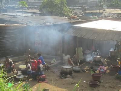 010_Abidjan  Pas d'électricité et d'eau courante