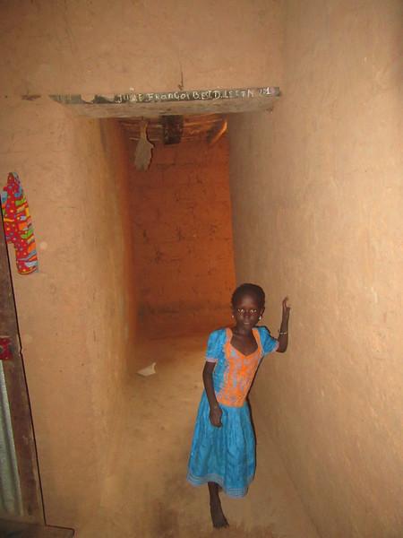 028_Casamance  Maison typique (en banco)  20 de 21  Le Corridor allant vers l'avant