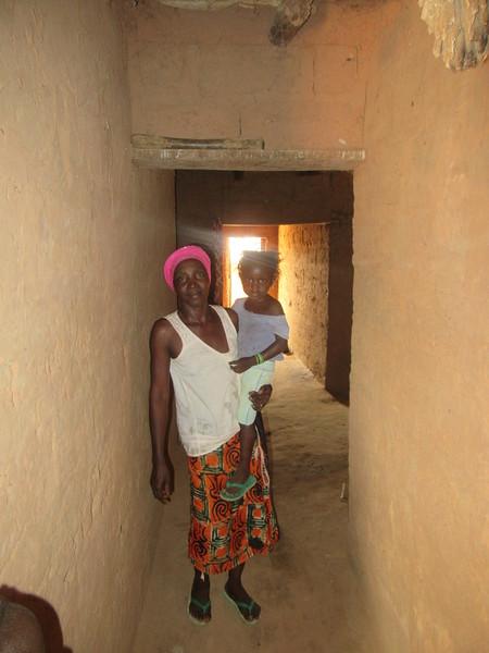 027_Casamance  Maison typique (en banco)  19 de 21  Le Corridor allant vers l'arrière