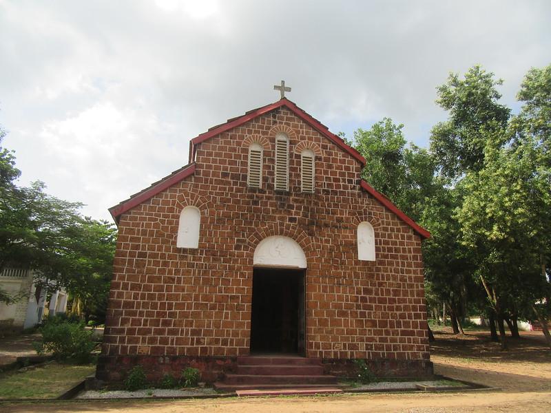 031_Le Littoral  Fatala  La Première Église Catholique en Guinée