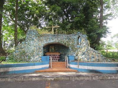 034_Le Littoral  Fatala  La Première Église Catholique en Guinée  Le Sanctuaire (grotte) dédié à Marie