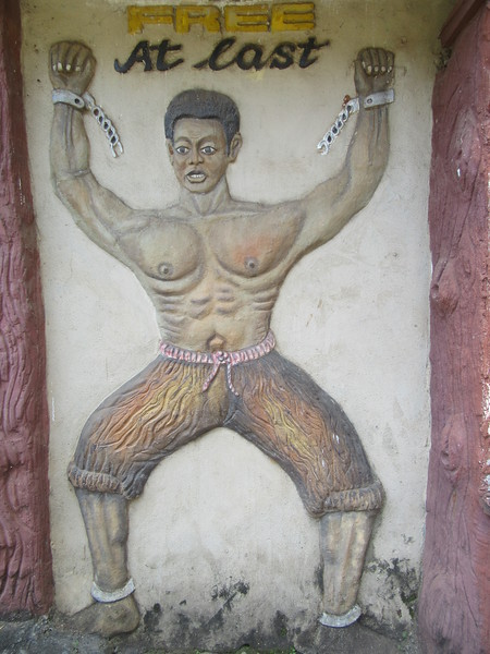 034_Freetown  Peace and Cultural Monument