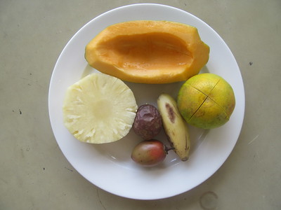 013_Bujumbura  Hotel Safari Gate  Fruis Frais  Ananas, Orange, Papaya, Banane