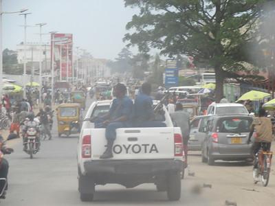 039_Bujumbura  Les militaires sont partout