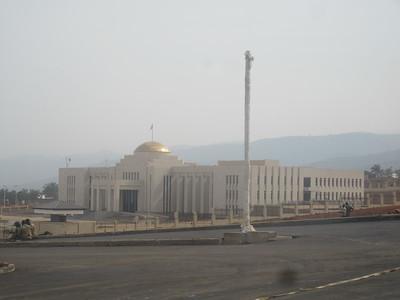 021_Bujumbura  Parlement  Payé par les Chinois