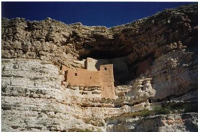 20_Montezuma_Castle_a_flanc_de_montagne