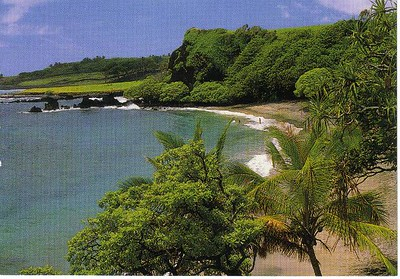 17_Maui_Hamoa_Beach_Tucked_away_in_Hana