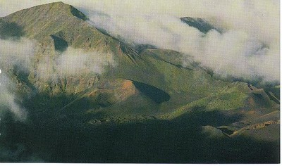 06_Maui_ Haleakala_Mists_over_the_Crater