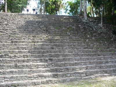 018_Chacchoben_Steps_300_400_AD