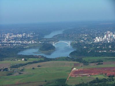 05 Ponte Presidente Tancredo Neves on the Iguacu River, Border of Brasil and Argentina
