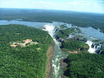 11 Iguacu Falls, 275 Falls, 3km large, Wider and Higher than Victoria Falls and Niagara Falls