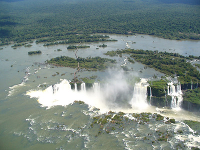 011 Iguacu Falls, 275 Falls, 3km large, Height 80 meters