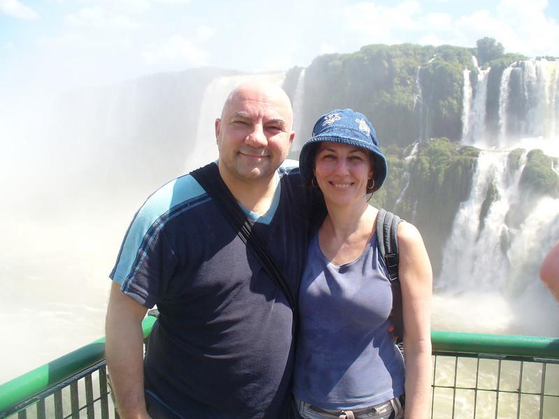 029 Iguacu Falls, Garganta do Diablo, Luce and JD