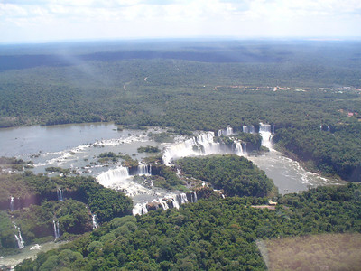 013 Iguacu Falls, 275 Falls, 3km large, Height 80 meters