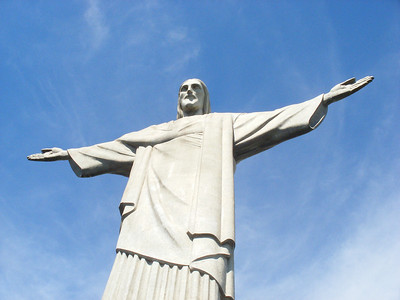 005 Rio De Janeiro, Christ The Redeemer, The dress is 8 5 meters wide