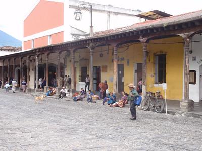 056  Antigua  Central Square