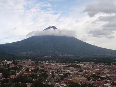 013  Antigua  Overview from Cerro de la Cruz