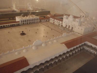 038  Antigua  Modelo de la Plaza Mayor  1700