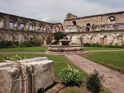 090  Antigua  Iglesia Y Convento de Santa Clara