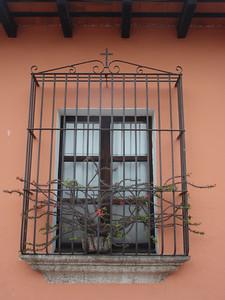 035  Antigua  Windows