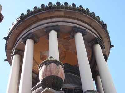 024_Buenos Aires, La Recoleta  Cementerio  Familia Federico R  Leloir jpg