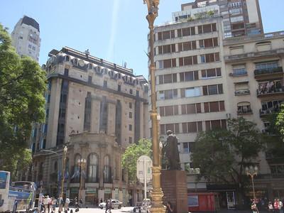 033_Buenos Aires, Retiro, Plaza General San Martin jpg