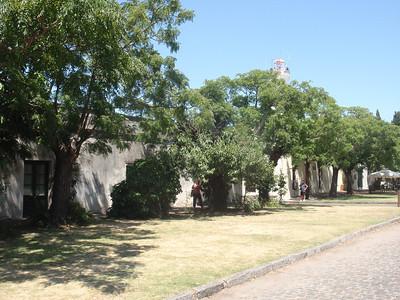 18_Colonia del Sacramento  The Old Town  Plaza Mayor del 25 de Mayo jpg