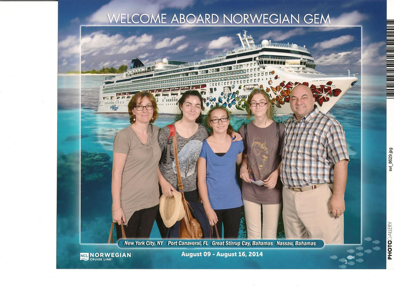 002_Norwegian Gem  Cruise Boat  Luce, Léonie, Marianne, Joelle and JD