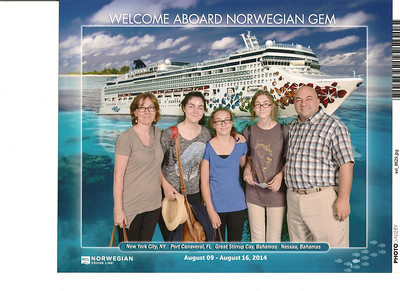 002_Norwegian Gem  Cruise Boat  Luce, Léonie, Marianne, Joelle and JD