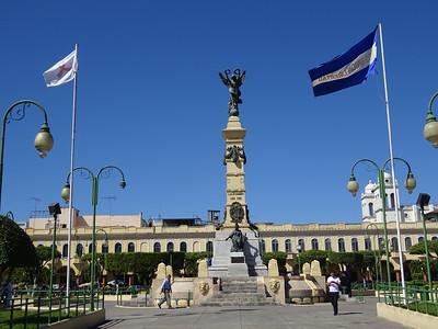 021_San Salvador  Parque De La Libertad  L'Ange de la liberté, érigé en 1911 pour commémorer le centennaire du premier ¨cri de l'indépendance¨
