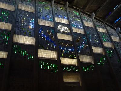 024_San Salvador  Iglesia El Rosario  Un puit de lumières aux milles couleurs
