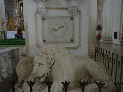 037_Leon  Parque Central  Basilica Catedral De La Asuncion  1767-1860  UNESCO  Ruben Dario sepulture