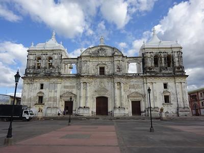 035_Leon  Parque Central  Basilica Catedral De La Asuncion  1767-1860  UNESCO  The Biggest Church in Central America