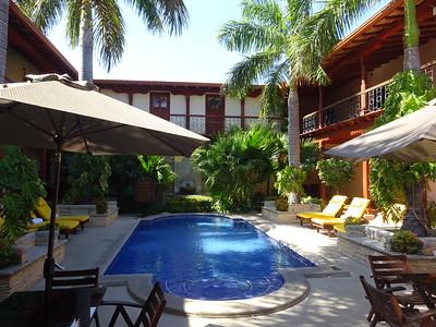 289_Granada  Parque Central  Colonial Architecture  The Hotel Plaza Colon